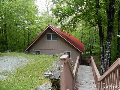 Caldwell County, Alexander County, Watauga County, Avery County, Ashe County, Burke County Single Family Home For Sale: 421 Charter Hills Road