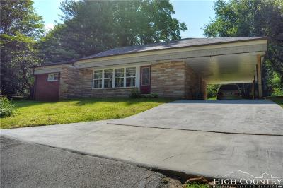 Caldwell County, Alexander County, Watauga County, Avery County, Ashe County, Burke County Single Family Home For Sale: 320 N Main Street