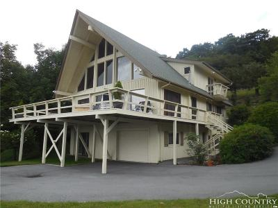 Avery County Single Family Home For Sale: 290 Fox Run Road