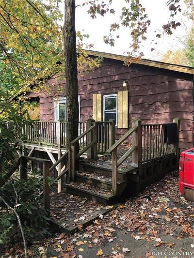 Boone Single Family Home Under Contract - Show: 189 Seven Oaks Road