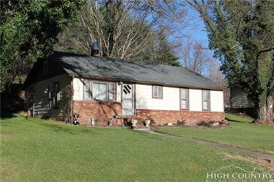 West Jefferson Single Family Home For Sale: 578 Saddle Gap Road