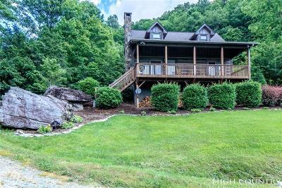 Sugar Grove Single Family Home For Sale: 158 Jonathan Way