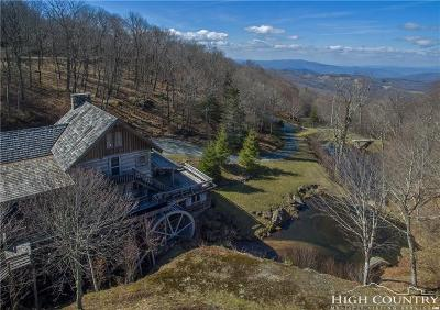 Avery County Single Family Home For Sale: 130 Spruce Hollow Road