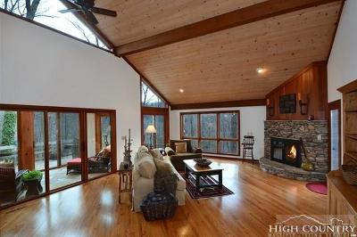 Banner Elk Single Family Home For Sale: 215 Dogwood Trail