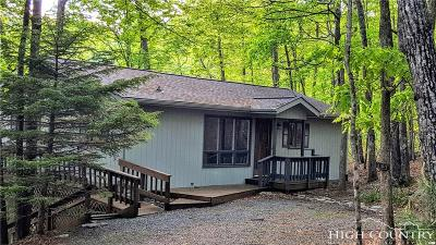 Caldwell County, Alexander County, Watauga County, Avery County, Ashe County, Burke County Single Family Home For Sale: 510 W Laurel Circle