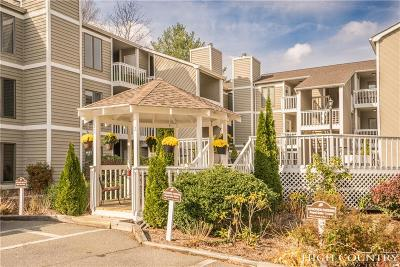 Blowing Rock Condo/Townhouse For Sale: Unit 221 Royal Oaks Drive #22122