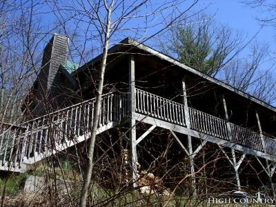 Alexander County, Ashe County, Avery County, Burke County, Caldwell County, Watauga County Single Family Home For Sale: 500 Apple Cove Road Road