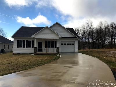 West Jefferson Single Family Home For Sale: 107 Ridgeline Drive
