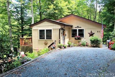 Newland Single Family Home For Sale: 51 Pepperidge Lane