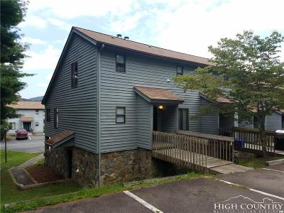 Boone Condo/Townhouse Under Contract - Show: 164 Chase Hill Drive