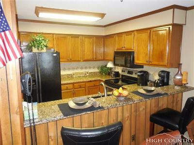Avery County Condo/Townhouse For Sale: 301 Pinnacle Inn Road #2314