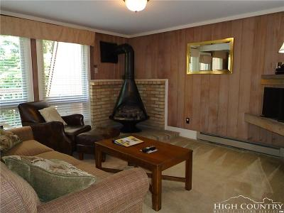 Beech Mountain Condo/Townhouse For Sale: 220 Charter Hills Road #C4