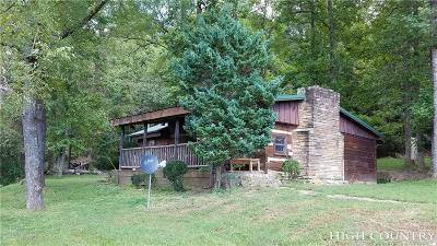 Caldwell County Single Family Home For Sale: 2971-A Roby Martin Road