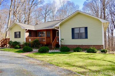 Boone Single Family Home For Sale: 394 Wake Robin Lane