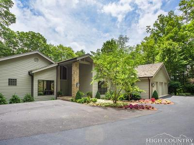 Linville Single Family Home For Sale: 703 Ridge Court