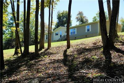West Jefferson Single Family Home For Sale: 2722 Nettle Knob Road