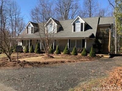 Ashe County Single Family Home For Sale: 423 Autumn Run Road