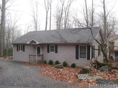 Newland Single Family Home For Sale: 377 Jack Pine Loop