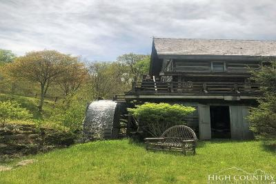 Beech Mountain Single Family Home Under Contract - Show: 130 Spruce Hollow Road