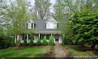 West Jefferson Single Family Home For Sale: 423 Autumn Run Road