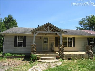 West Jefferson Single Family Home For Sale: 1085 Hidden Springs Rd Extension