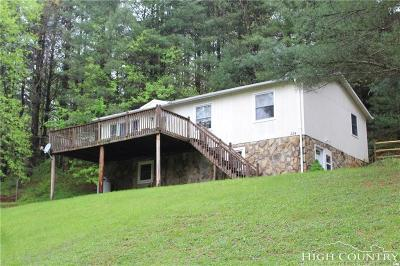 Boone Single Family Home For Sale: 224 Laurel Gap Ridge Road