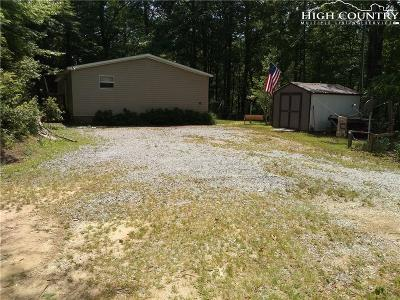 Deep Gap Single Family Home For Sale: 114 Chestnut Mountain Road