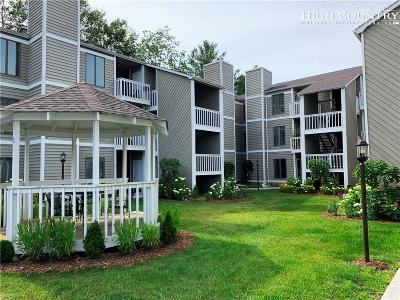 Blowing Rock Condo/Townhouse For Sale: 148 Royal Oaks Drive #233