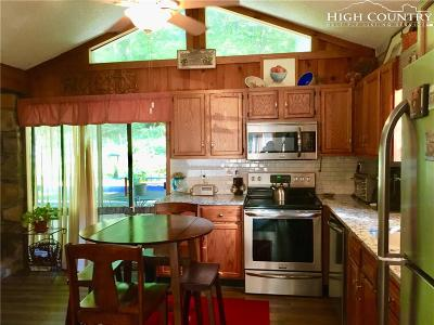 Linville Single Family Home For Sale: 263 Laurel Hills Road