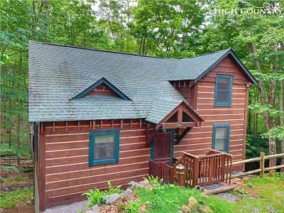Beech Mountain NC Single Family Home Under Contract - Show: $239,000