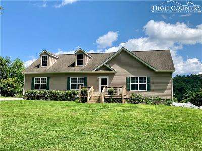 Newland Single Family Home For Sale: 250 Twin Pines Lane