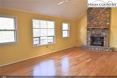 Blowing Rock Condo/Townhouse For Sale: 175 Pine Village #4
