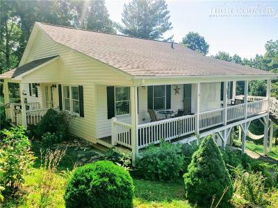 West Jefferson Single Family Home For Sale: 287 Maple Ridge Estates Drive