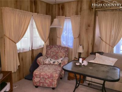 Linville Single Family Home For Sale: 319 Jack Pine Loop