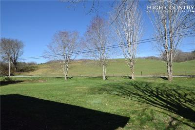 Newland Single Family Home For Sale: 2639 Three Mile Highway