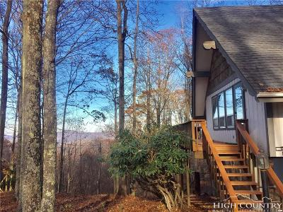 Caldwell County, Alexander County, Watauga County, Avery County, Ashe County, Burke County Single Family Home For Sale: 902 Pine Ridge Road Club