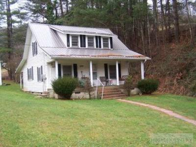 Watauga County Single Family Home For Sale: 5413 Highway 421