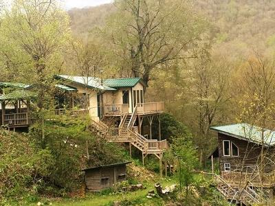 Avery County Single Family Home For Sale: 5297 Hickory Nut Gap