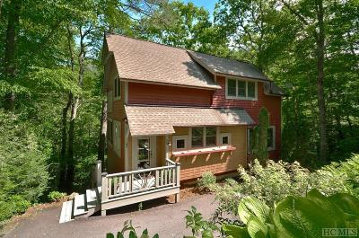 Glenville Single Family Home For Sale: 43 East Falling Brook Trail