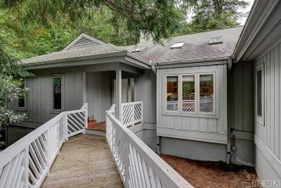 Highlands Single Family Home For Sale: 20 Laurelwood Court