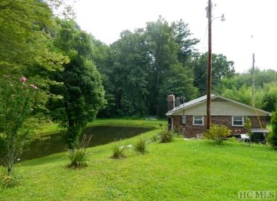 Cashiers Single Family Home For Sale: 693 Whiteside Cove Road