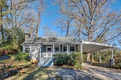 Single Family Home For Sale: 48 Holt Knob Road