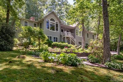 Highlands Single Family Home For Sale: 251 Hickory Drive