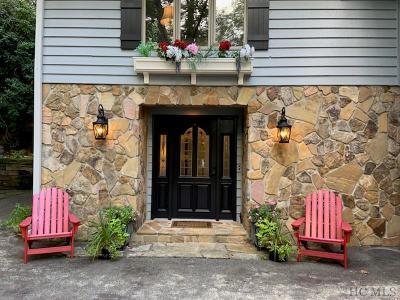 Highlands Single Family Home For Sale: 138 Sassafras Court