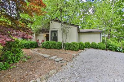 Highlands Single Family Home For Sale: 112 Rolling Woods Drive