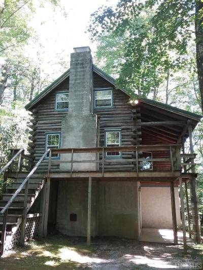 Highlands Single Family Home For Sale: 296 Hemlock Circle