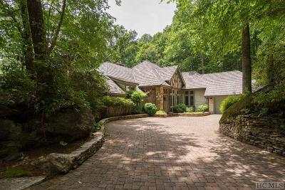 Wade Hampton Single Family Home For Sale: 845 Cherokee Trace
