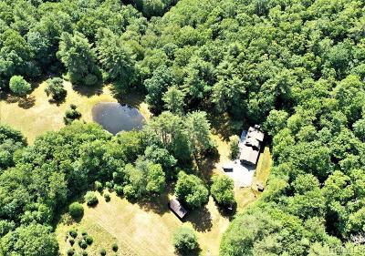 Glenville Single Family Home For Sale: 25 Glen Meadow Trail
