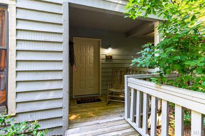 Sapphire Condo/Townhouse For Sale: 69 Chestnut Ridge Road #8