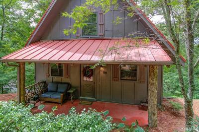 Single Family Home For Sale: 132 Dogwood Drive